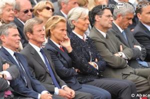 Christine Ockrent ecoutant Barak Obama a Colleville sur mer